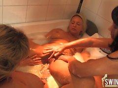 lesbo blondi isot tissit amatööri saksa