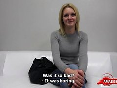 blondin avsugning gjutning