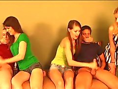 handjobs tieners trio