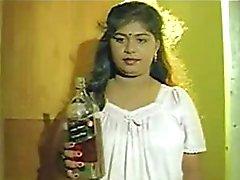 isot tissit intialainen pornotähti kolmikko romanttinen