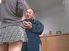 asiatico pompino handjob giapponese doccia