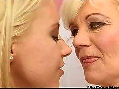 anale lesbica cinturino in on strapon orale