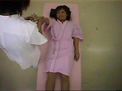 asiático seios pequenos adolescente uniforme