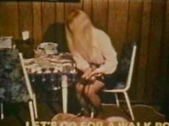 классический ретро блондинка раздеться