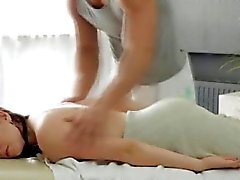 grandi tette brunetta tastare massaggio