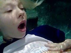 kenzie reeves pequeno subaquático pequeno subaquático torção sexo masturbate raspada buceta perfurados arado loira natural tits boquete bateu grande