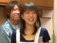 asiático japonés milf esposa de casa