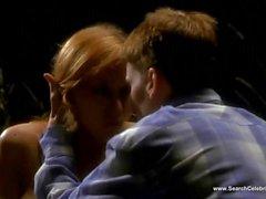 couple blond petits seins baiser