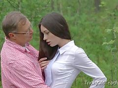 blowjobs brunettes sperme dans la bouche étudiante tricky old teacher channel