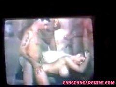 sesso di gruppo annata milfs gangbang orgia