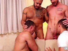 gays alegre de grupo de sexo alegres nacos homossexual gay musculares