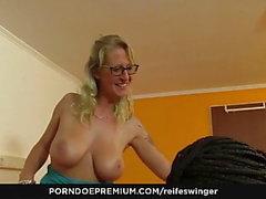 reife swinger pornodoe premium big tits blowjob deutsch