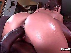 Fine ass hoe blowing giant black schlong