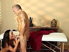 Sexy babe sucks masseur