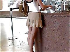 filles clignotant de plein air nudité en public