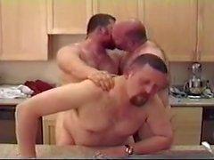 grupo urso orgia sexual mamilo trio do vintage estimulação realidade gordinho cabeludo facial cabelo torção oral grande