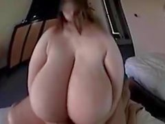 asiatique seins gros seins gros seins naturels gros tétons