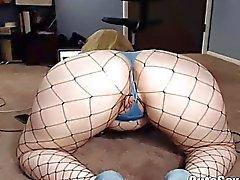 Sweet Masturbation of Curvy Chubby Blondie