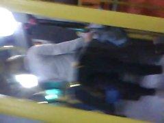 bebek sarışın genç otobüs