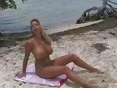 ranta isot tissit bikinit tissit