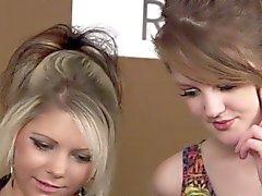 baby blondine brünett cfnm