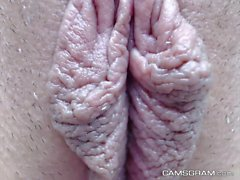 Attractive Shaved Brunette Great Squirt Splash At Home
