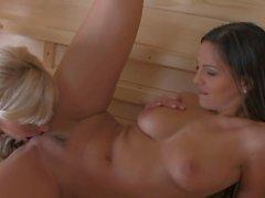 lésbica masturbação pornstars grandes mamas loira