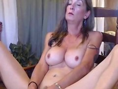 Hot Sexy Busty Camwhore Toying Her Inviting Cooter Hitachi