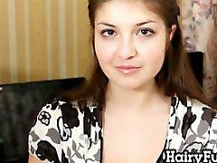 gros seins brunette poilu