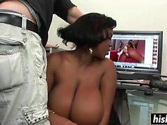 big boobs schwarz und ebony brünett abspritzen gesichts