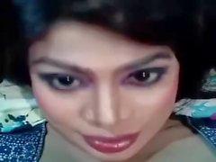 Reshmi Alon - Flashing Cleavage 1