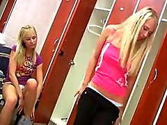блондинка лесбиянка лизать мастурбация подросток