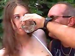 saksa vuotias nuori julkinen alastomuus