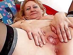 âgé mamie le sexe mamie masturbation vieille chatte