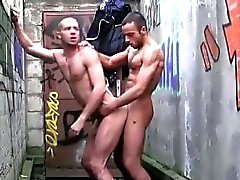 без седла гей геи гей мышцы геев открытом воздухе гей