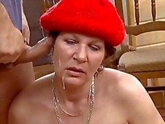 saksa isoäidit erääntyy vuotias nuori