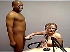 любительский блондинках межрасовый публичное раздевание вуайерист