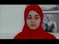 Arab girl showing her boobs on cam @ Leopard69Puma
