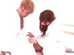 japonais amateur soin du visage éjaculation
