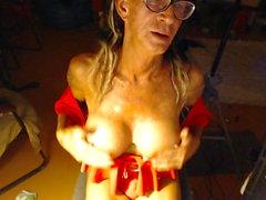 grandi tette di video hd biancheria intima masturbazione giocattolo del sesso