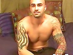 gay hunk muskel tatoos