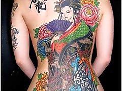 japonês amadurece tatuagens voyeur