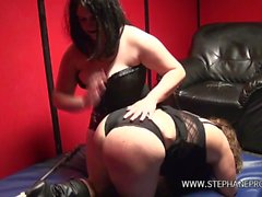 Mistress Syrial and her submissive bitch