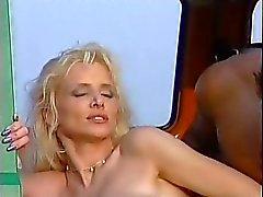 casal mijando loira anão