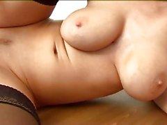büyük göğüsler sarışınlar mastürbasyon