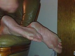 Milf Aunt Cumshot on Sleeping Feet