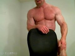 jockmenlive мышечная - папочка том- господин культурист сгибающий
