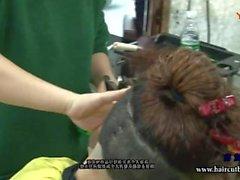 torção adolescente jovem fetiche headshave headshave curta corte de cabelo cabelo