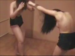 morenas peleas de gatos lesbianas