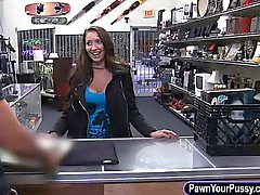 Hot babe pawns her pussy after pawn man offered her money